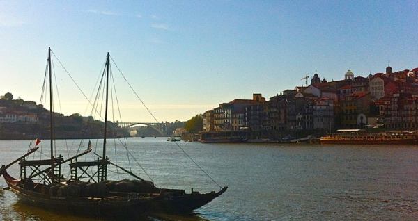 A view of Porto from the opposite riverbank